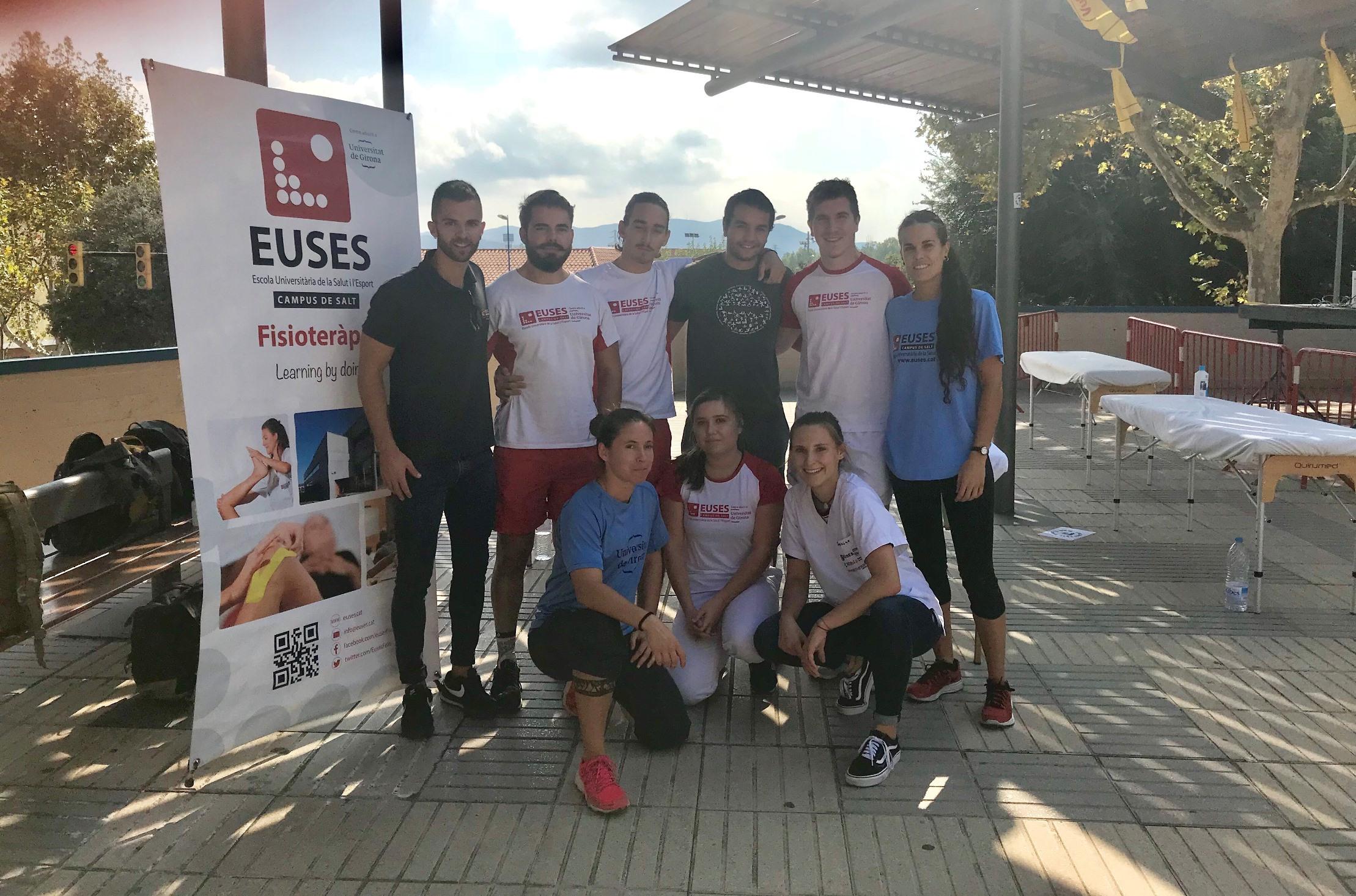 Estudiants del Grau en Fisioteràpia d'EUSES recuperen els participants de la Marxa de Resistència i Trail de Parets Montserrat