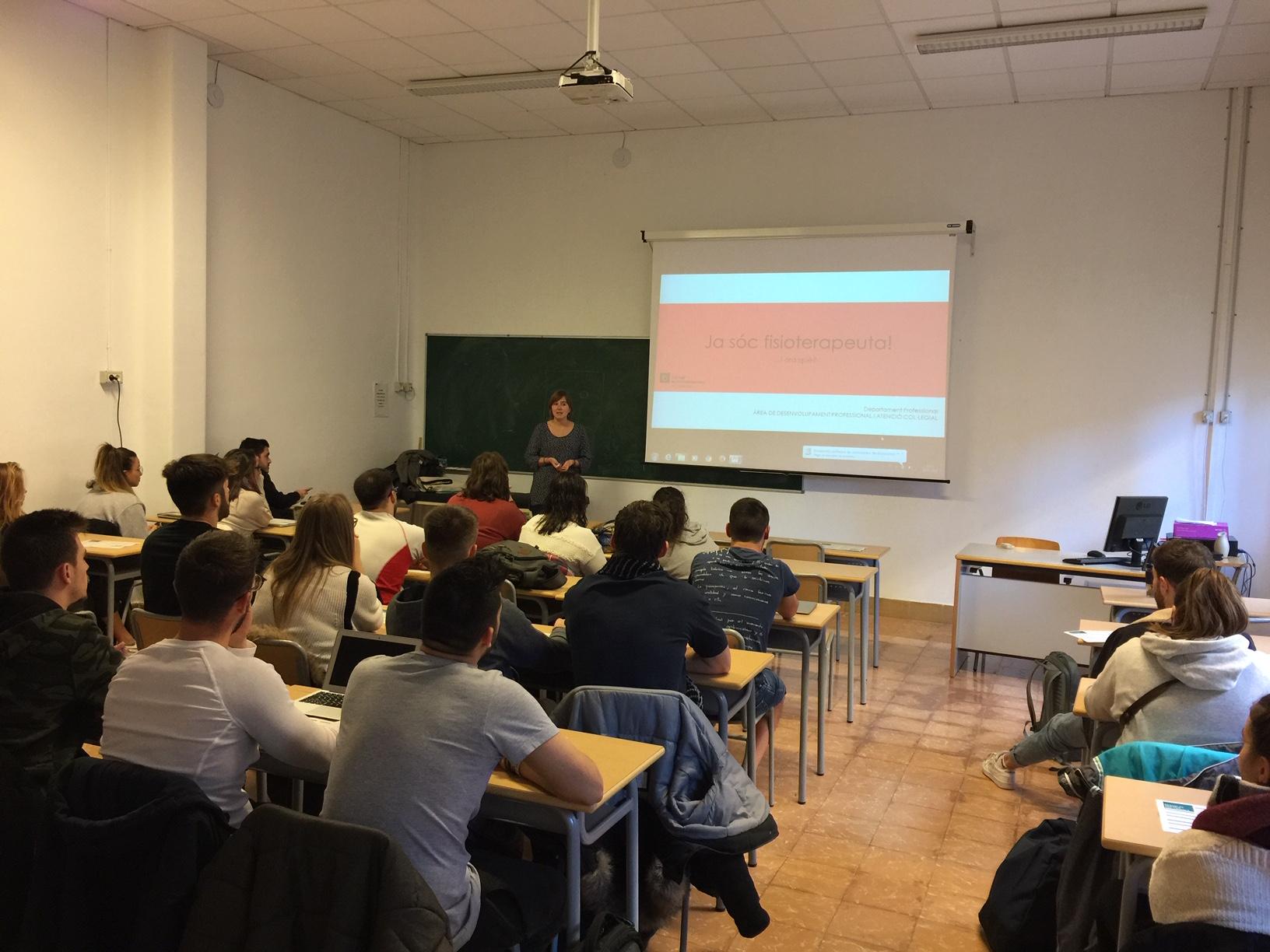 Xerrada informativa del Col·legi de Fisioterapeutes de Catalunya als alumnes de 4t curs d'EUSES Terres de l'Ebre sobre sortides professionals