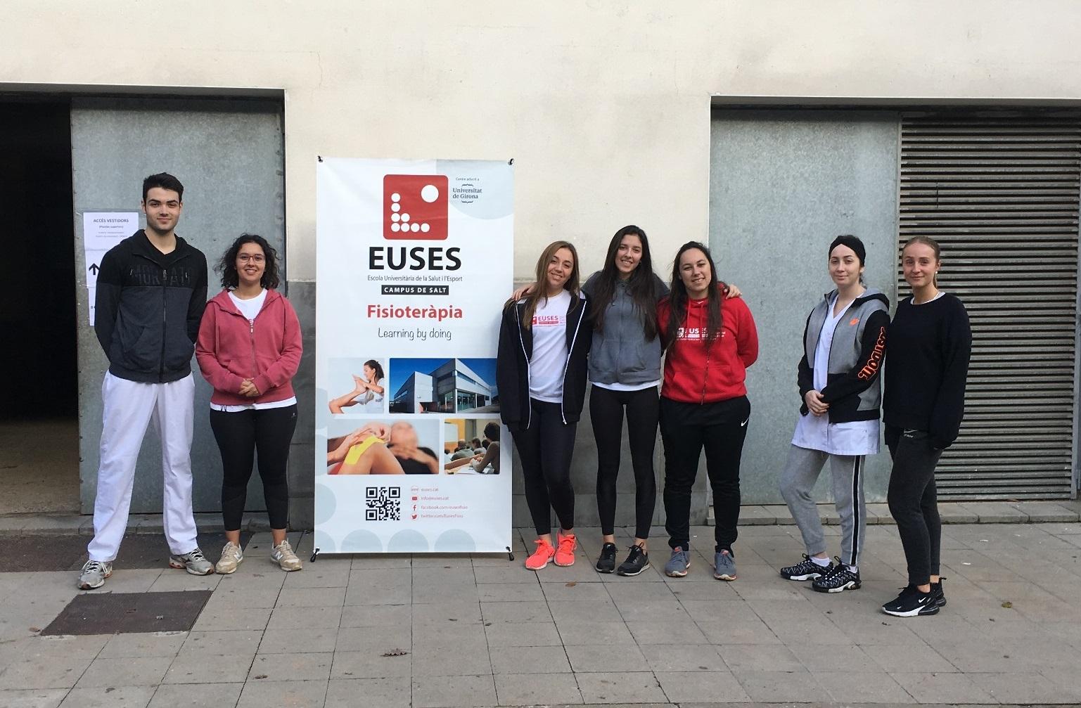 Estudiants del Grau en Fisioteràpia d'EUSES recuperen els participants de la 2a Duatló de Muntanya del GEiEG