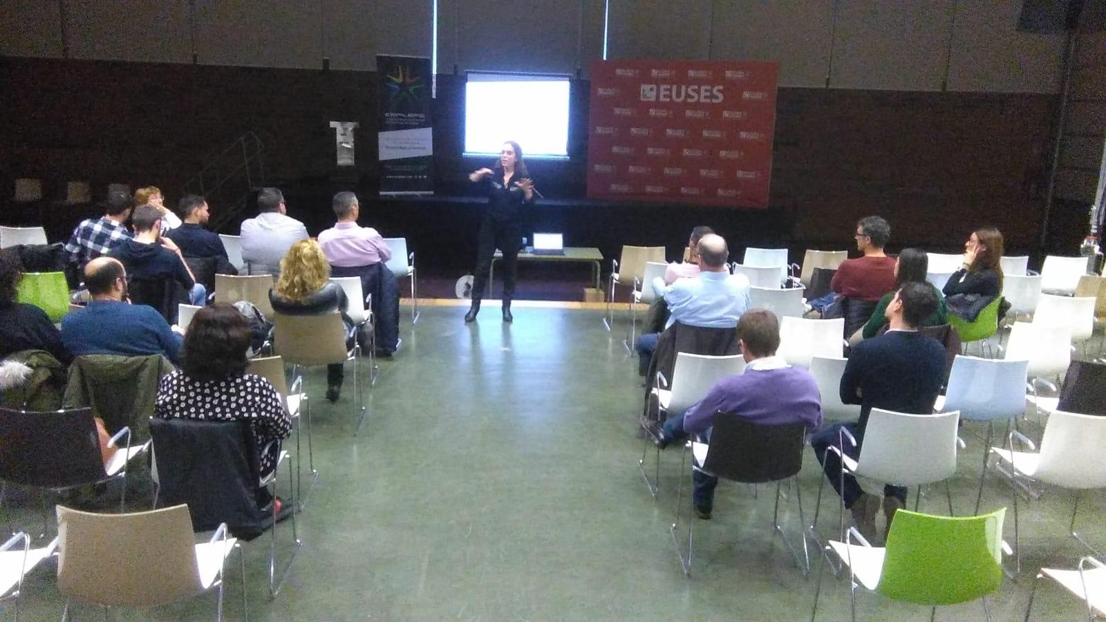 """El Col·legi de Professionals de l'Activitat Física de Catalunya (COPLEFC) realitza a l'auditori d'EUSES Terres de l'Ebre la xerrada """"Final del temps afegit"""""""