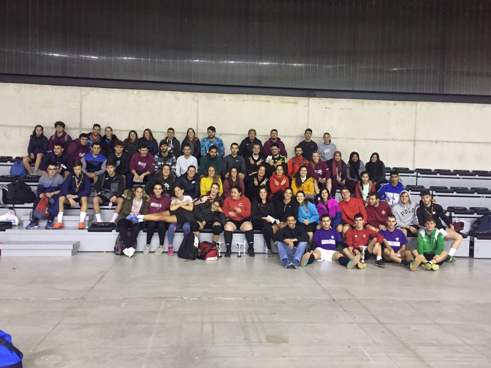 Setena edició del torneig de Nadal de futbol sala d'EUSES Terres de l'Ebre amb la participació d'equips de CAFE i de Fisioteràpia