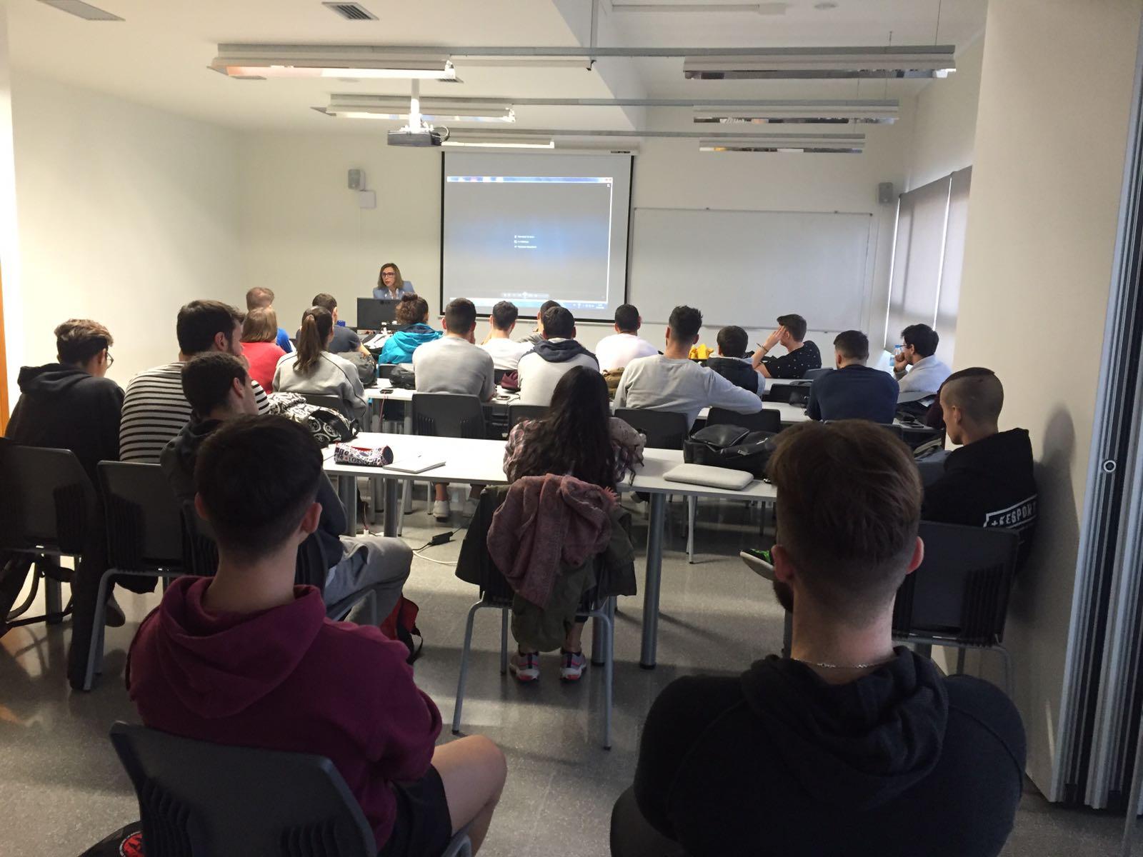 """Presenten l'aplicació Twinapp als estudiants de 4t de CAFE d'EUSES Terres de l'Ebre dins l'assignatura de """"Disseny, intervenció i avaluació en l'educació física i l'esport"""""""