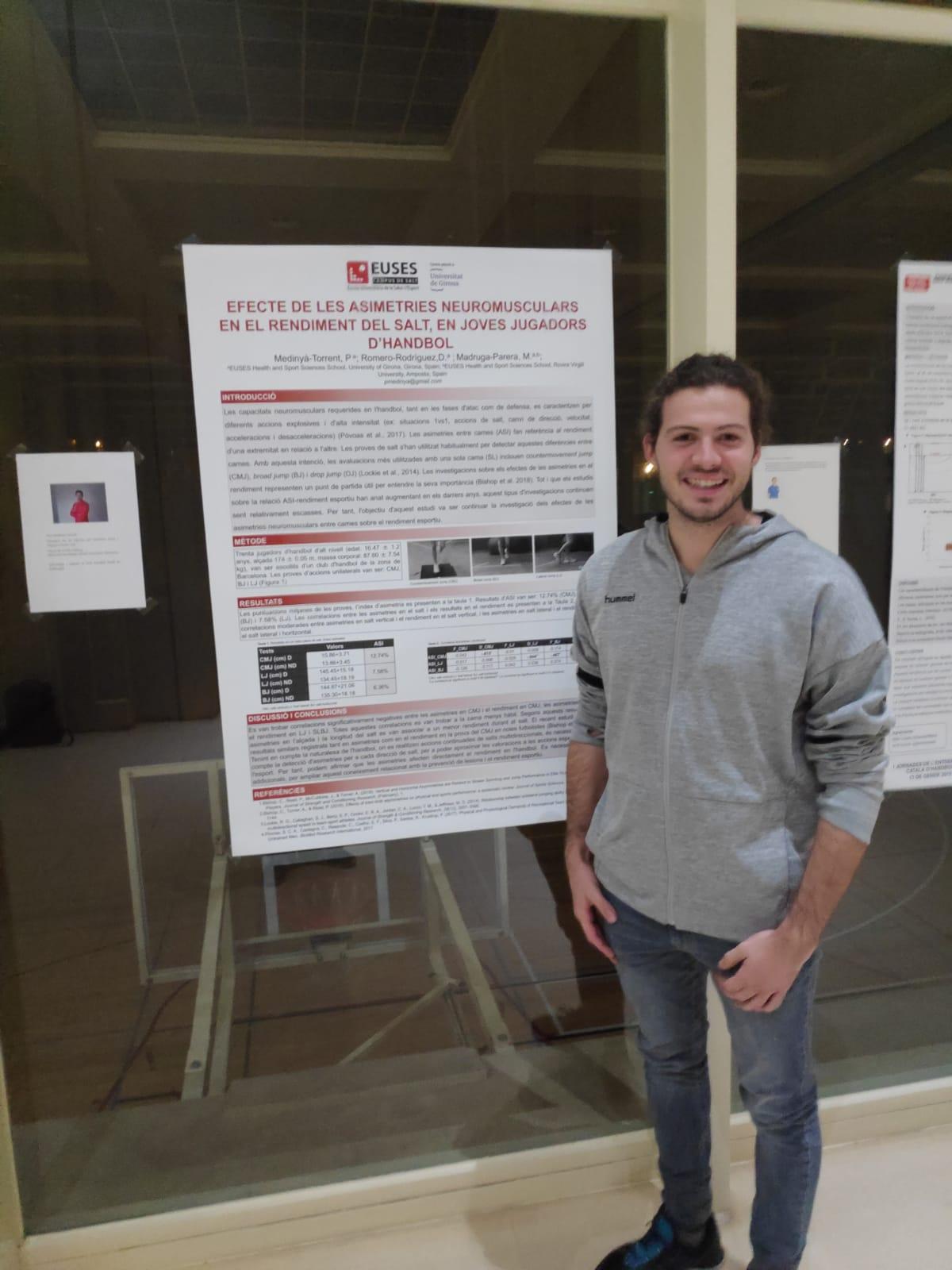 L'estudiant de 4t de CAFE d'EUSES Pere Medinyà guanya el primer premi del concurs de pòsters en la 1a edició de les jornades de l'entrenador català d'handbol