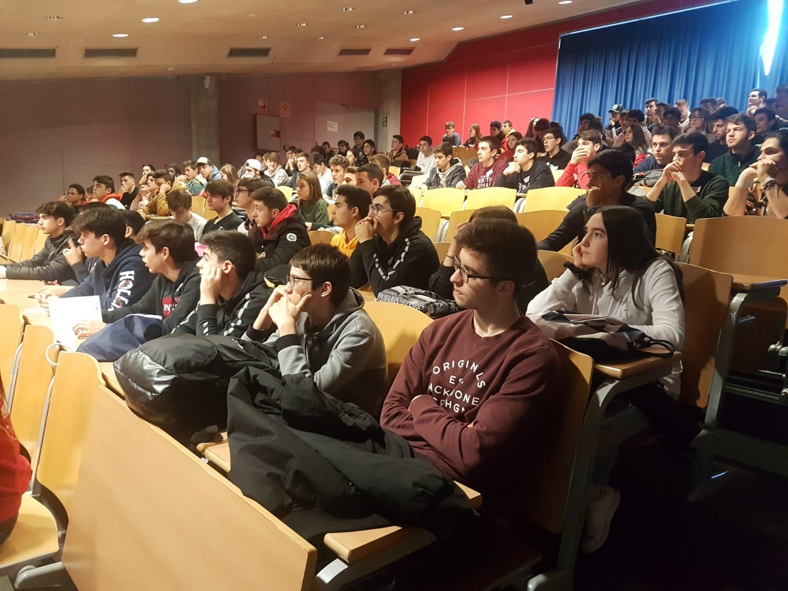 L'Escola Universitària de la Salut i l'Esport obre les portes del centre i explica la seva oferta formativa de CAFE i de Fisioteràpia als estudiants de batxillerat de la demarcació